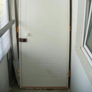 Продам дверь входную 200x80